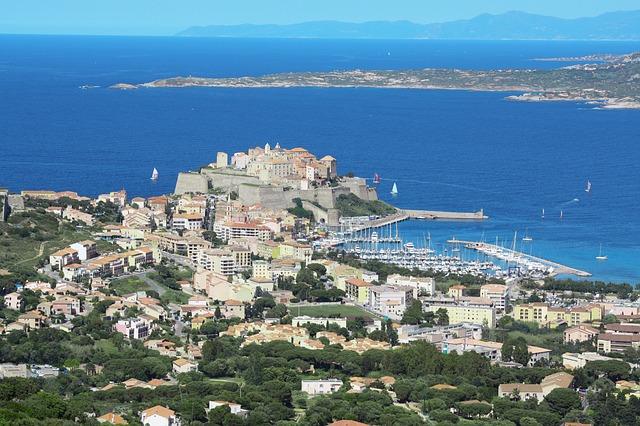Corse - Vue de Calvi sur l'île de Beauté