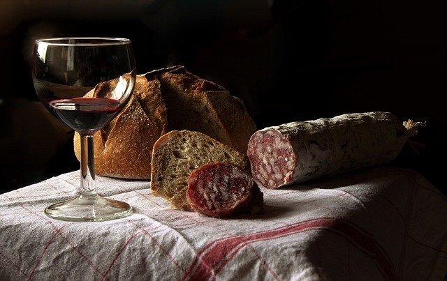 Corse : les cépages, appellations et caractéristiques des vins de la région
